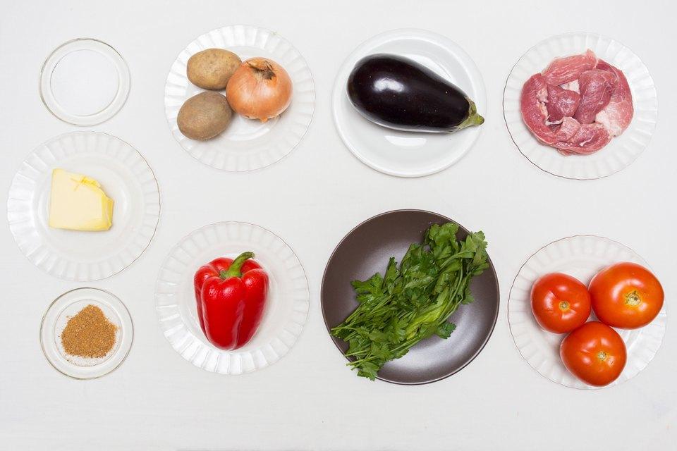 Аджапсандали: помидоры, перец, баклажаны, базилик, лук, картофель, масло сливочное, соль, перец, говядина.. Изображение № 22.