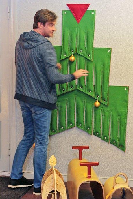 В пространстве «12» проходит выставка альтернативных ёлок. Зображення № 6.
