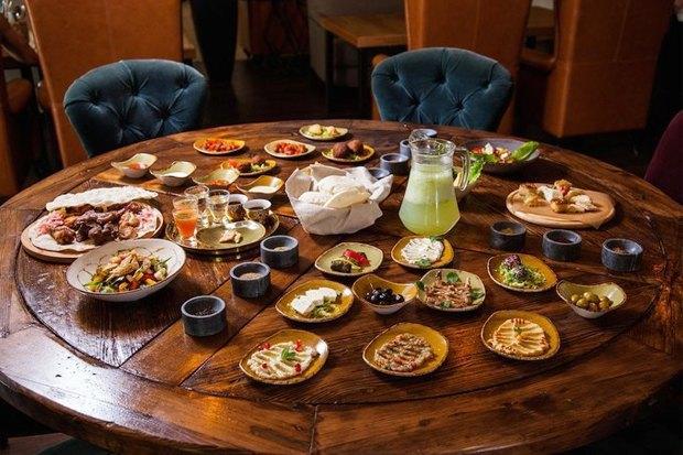 Рестораны «Mr.Ливанец» иMØS, пивной бар имагазин «Главпивмаг», коктейльный бар DirtyBlonde. Изображение № 1.