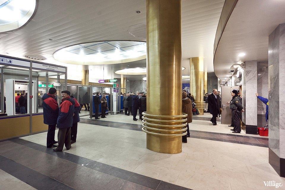 Фоторепортаж: Станции метро «Международная» и«Бухарестская» изнутри. Изображение № 23.