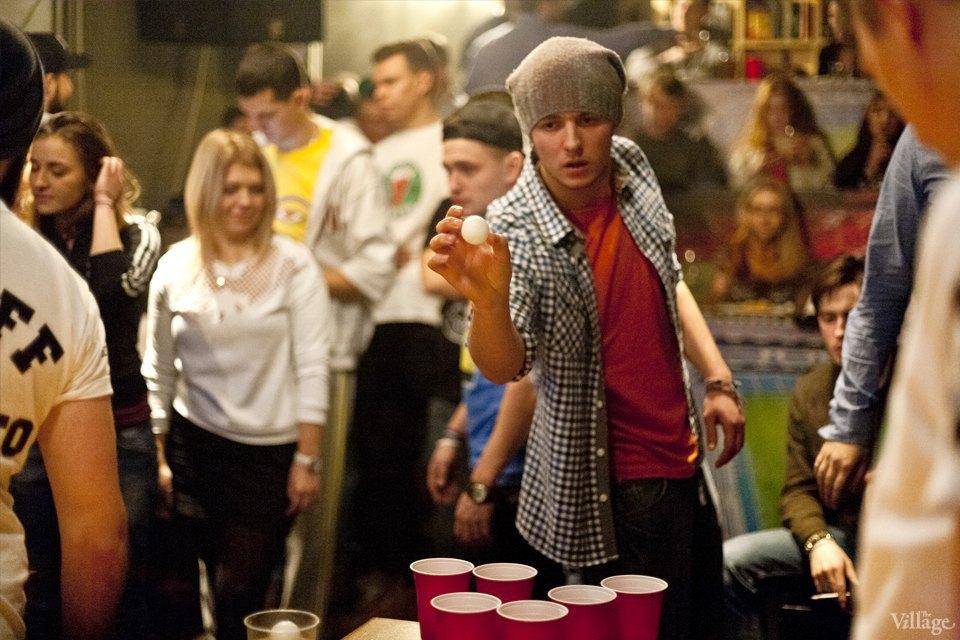 Дали по шарам: Кто игде играет вбир-понг вМоскве. Изображение № 12.