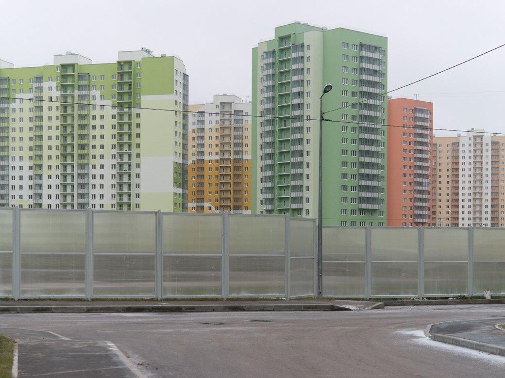 За КАД Петербурга: Как живётся новосёлам наулице Хармса. Изображение № 12.