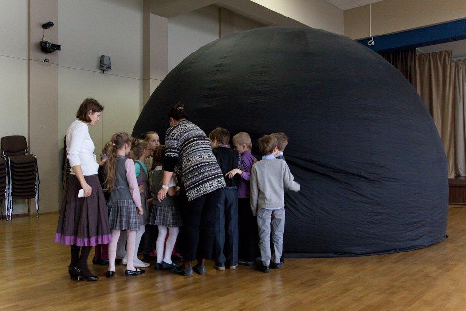Фабрика звёзд: Как рассказать про космос спомощью мобильного планетария. Изображение № 4.