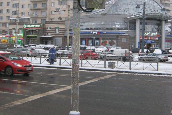 Петербургские власти сражаются снезаконной рекламой при помощи Paint