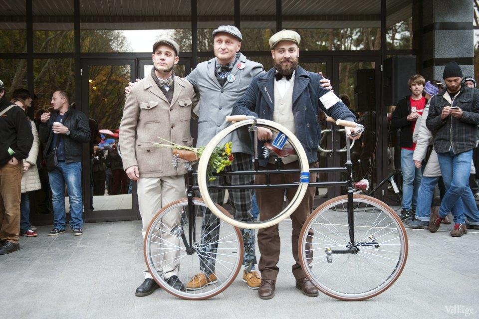 Твид выходного дня: Участники ретрокруиза — о своей одежде и велосипедах. Изображение № 9.