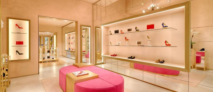 В Москве откроется бутик Charlotte Olympia . Изображение № 1.