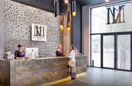 На Богдана Хмельницкого открылся дизайн-отель 11 Mirrors. Зображення № 1.