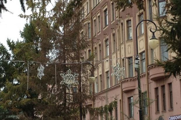 Петербург начали украшать к Новому году. Изображение № 2.
