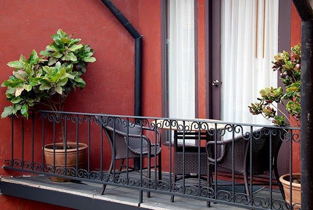 Как обустроить балкон вкаталонском стиле. Изображение № 1.