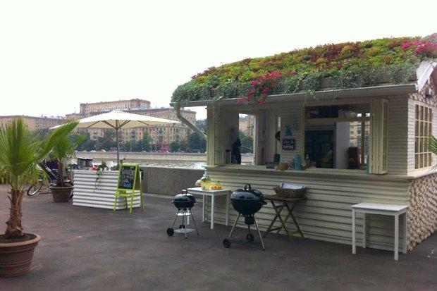 На набережной в парке Горького открылось кафе с паэльей. Изображение №1.