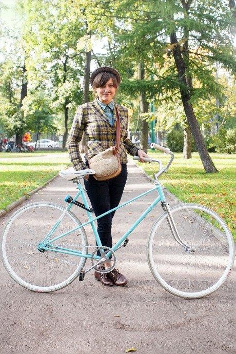 C твидом на город: участники веловояжа в Петербурге о ретро-вещах. Изображение № 56.