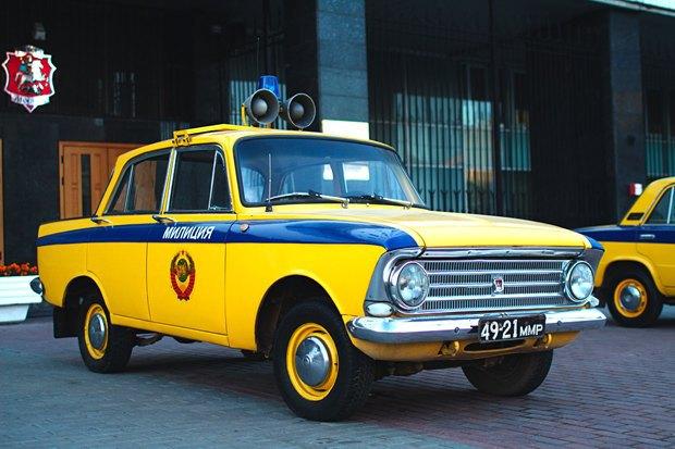 Сине-жёлтая Москва: Городские объекты вцветах флага Украины. Изображение № 10.