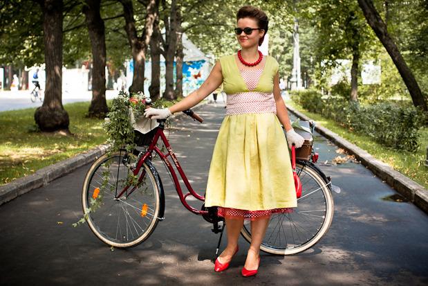 Люди в городе: Участницы парада «Леди на велосипеде». Изображение №36.