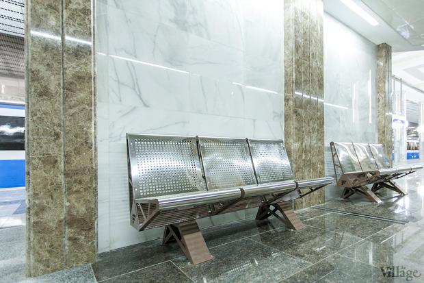 Лавки станции сделаны из металла. Изображение № 23.