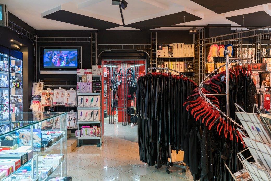 Лучшие секс-шопы Москвы: Куда идти за боа в перьях, стеками иновыми впечатлениями. Изображение № 30.