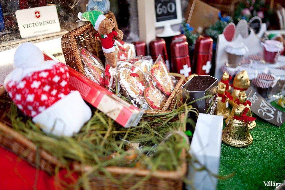Люди в городе: Продавцы рождественской ярмарки на Островского. Изображение № 20.