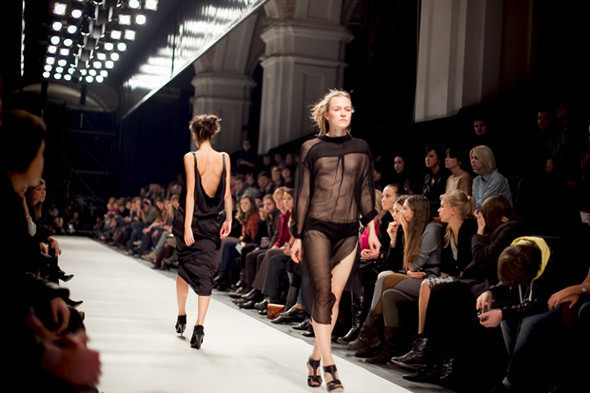 19 октября началась Неделя моды Mercedes-Benz Fashion Week Kiev. Изображение № 8.