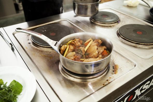 Omnivore Food Festival: Андрей Рывкин готовит карри из петуха на монастырском квасе. Изображение № 5.