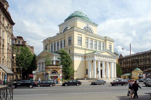 Итоги недели: Переезд «Газпрома», автокинотеатр и борьба с неправильной парковкой. Изображение № 3.