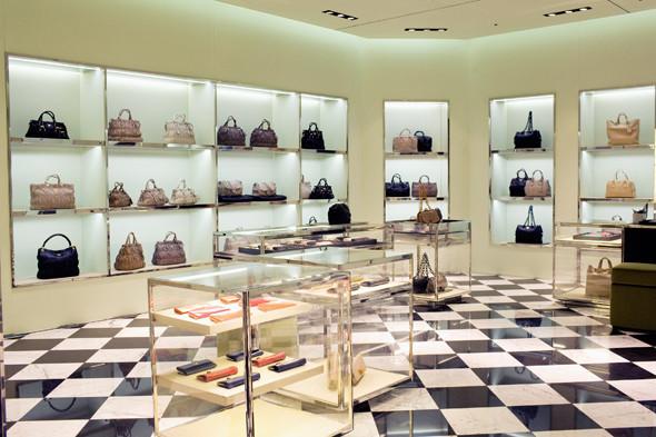 Магазин Prada в «Крокус Сити Молле». Изображение № 15.