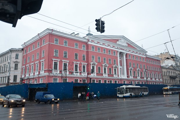 С дома на углу Невского и Фонтанки сняли леса. Изображение № 1.
