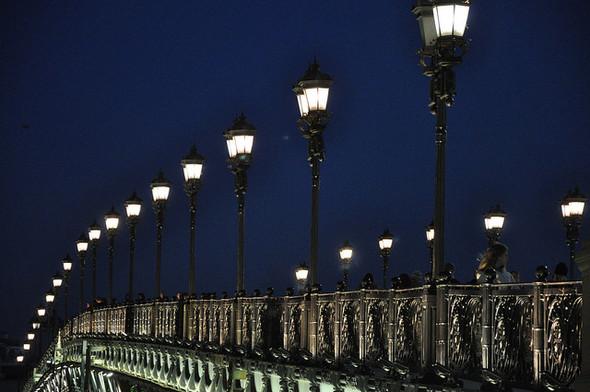 На Патриаршем мосту покажут перформанс «Рождённый сегодня». Изображение № 1.