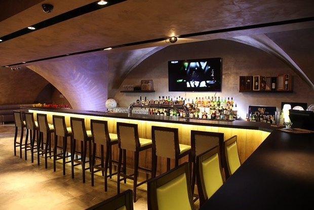 На месте ресторана «Академия» открылся бар Bootleggers. Изображение № 3.