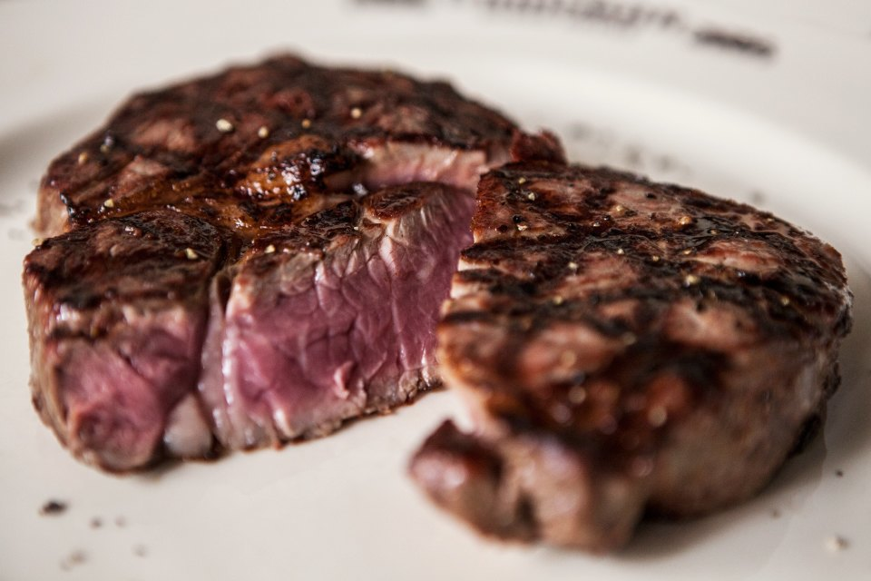Из каких стран привозят мясо вмосковские рестораны. Изображение № 6.