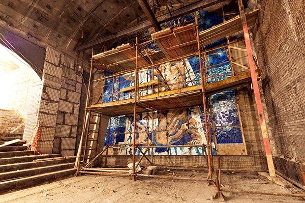 Мозаичное панно на «Международной» подвергли цензуре. Изображение № 1.