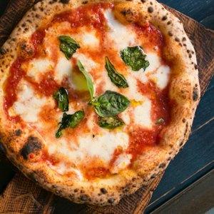 Тестоблюстители: Кто икак делает неаполитанскую пиццу вПетербурге. Изображение № 8.
