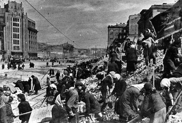 Фоторепортаж: Последний день работы киевского ЦУМа. Изображение № 42.