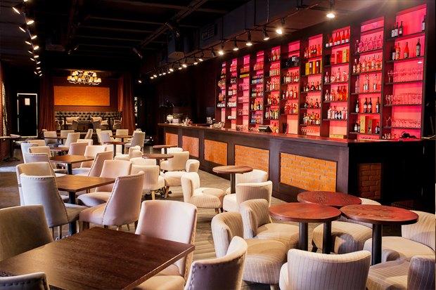 На месте бара «Заря» открылся Joys Bar. Изображение № 4.