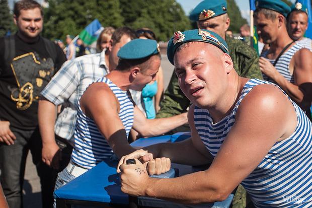 Фоторепортаж: День Воздушно-десантных войск в Петербурге. Изображение № 4.