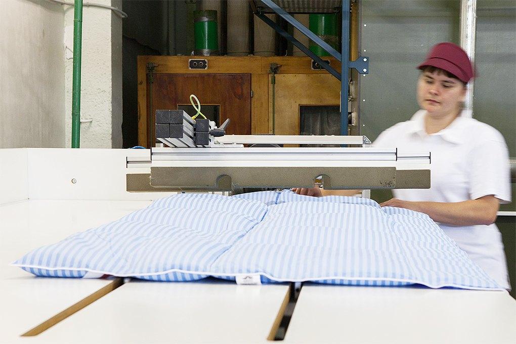 Производственный процесс: Как делают подушки. Изображение № 21.
