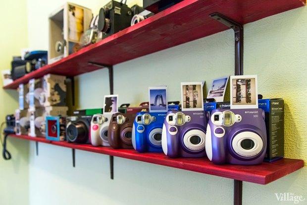 На полках: Магазин винтажных фотокамер Fotovramke. Зображення № 1.