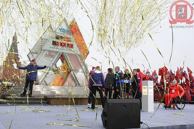 На Манежной площади запустили «олимпийские часы». Изображение № 2.