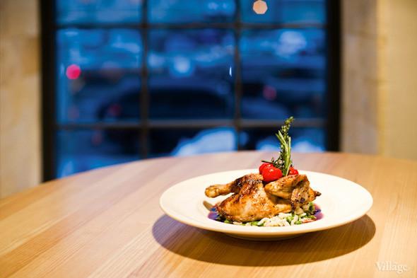 Хрустящий цыпленок с зеленым ризотто и соусом черес — 134 грн.. Изображение № 21.