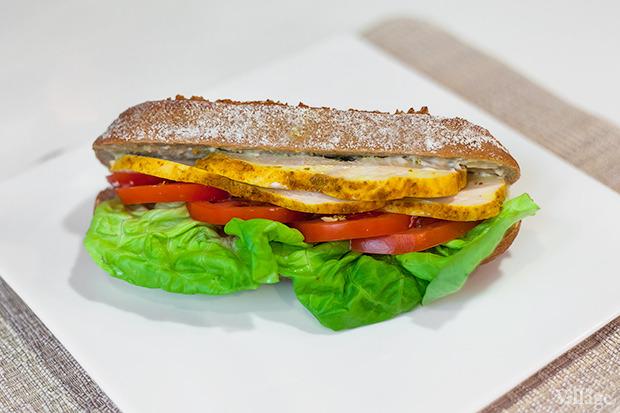 Сэндвич с курицей — 55 гривен. Изображение № 10.