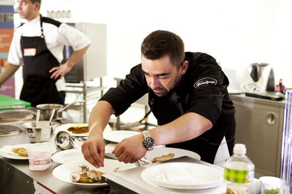 Omnivore Food Festival: Андрей Рывкин готовит карри из петуха на монастырском квасе. Изображение № 35.
