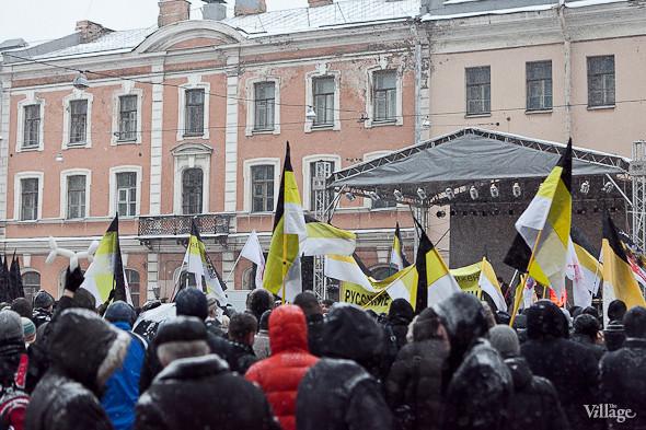 Два санкционированных митинга в Петербурге собрали 2 500 человек. Изображение № 36.