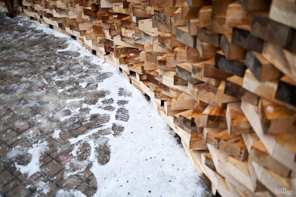 Фоторепортаж: Временный арт-объект во дворе Тургеневки. Изображение № 8.