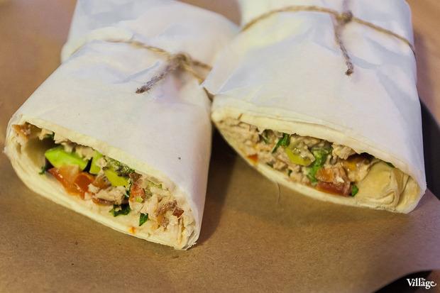 Сэндвич Mitte #1 (курица, лаваш, помидоры, кинза, лук, авокадо, листья салата) — 170 рублей. Изображение № 15.