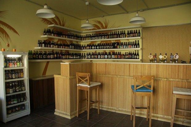 На Лиговском проспекте открылся пивной магазин-бар Beermuda. Изображение № 1.