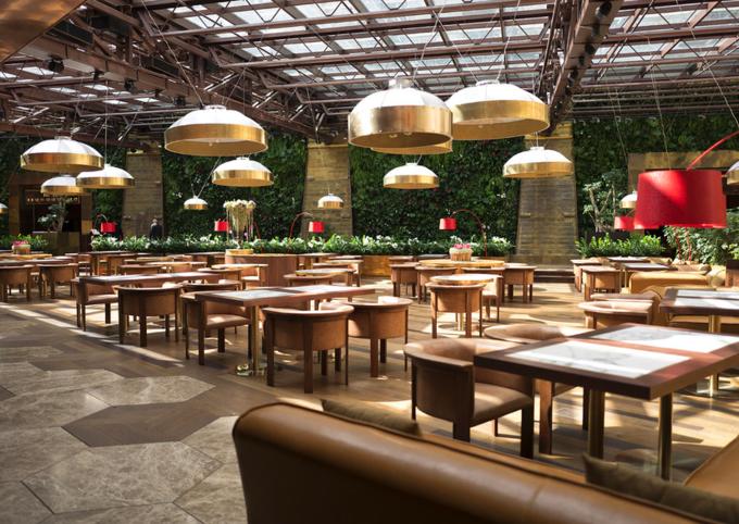 При кинотеатре «Москва» открылся ресторан «Прекрасное общество». Изображение № 1.