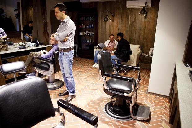 Новое место: Mr. Right Barbershop. Изображение № 3.
