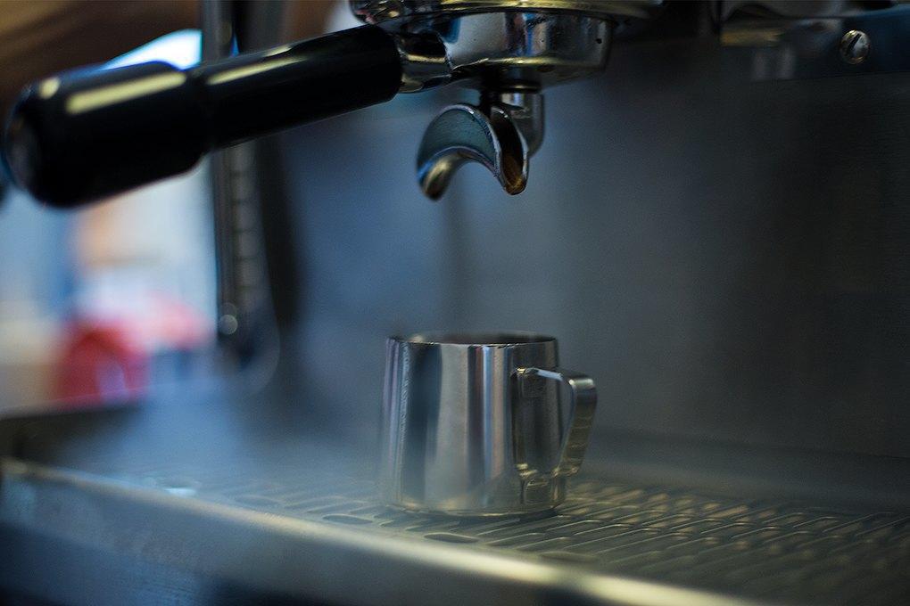 Double B: Сеть кофеен, зарабатывающая на продаже кофе конкурентам. Изображение № 7.