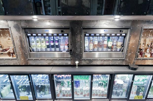 Новое место (Киев): Ресторан Pravda Bar. Зображення № 23.