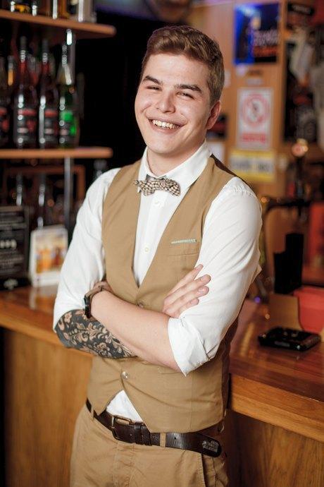 Первые лица: Как подбирают официантов в«Дорогая, яперезвоню..,». Изображение № 5.