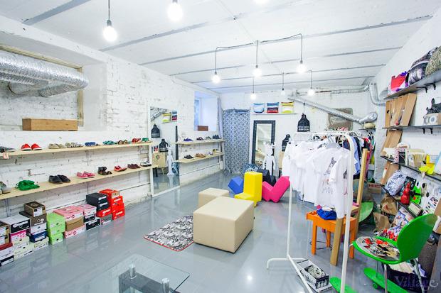 На полках: Магазин обуви ShoeShoe. Изображение №1.