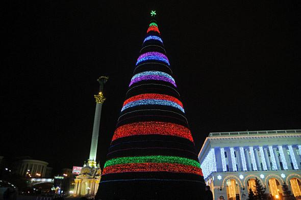 Ёлки-палки: Что происходит с главной новогодней ёлкой в Киеве. Зображення № 2.